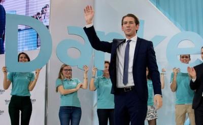 库尔茨当选择后到人民党议会,上向支持者挥手。(法新社照片)
