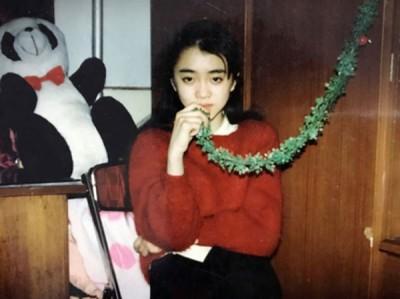 张丽小时候的生活照。