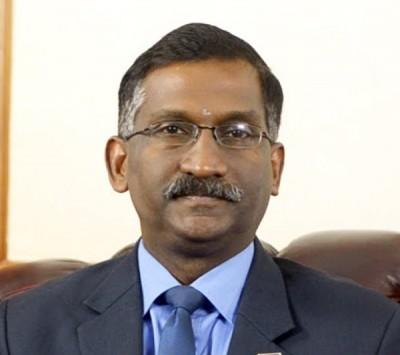 教育部副部长卡玛拉纳登。