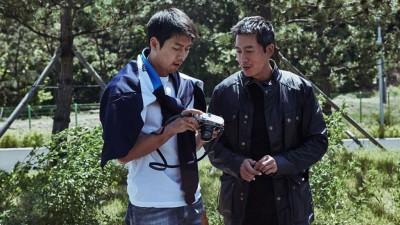 玄彬(左)及金柱赫多次合作,早前才于全州一起拍摄新片。