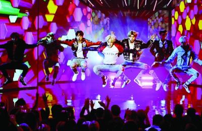 BTS的表演大受欢迎。