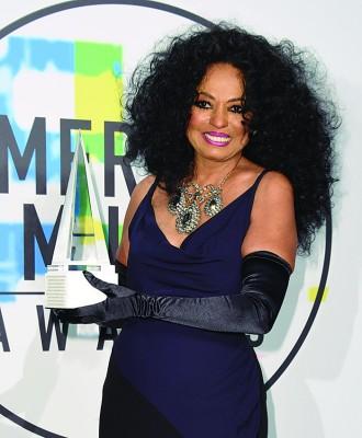 Diana Ross获颁终身成就奖。