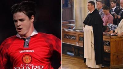 穆连尼当神父。