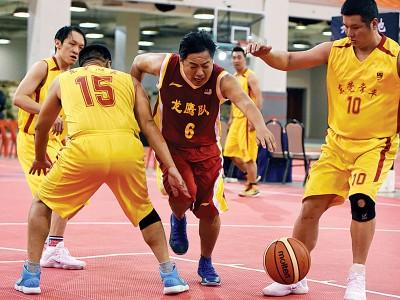 虽仅是替补,然而大马篮总会长赖俊瀚获上阵时奋勇作战,再次上演个人突破对手三人口包夹的一幕。