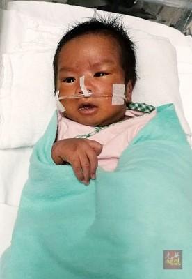 1只月大的男婴莫哈最终纳万患上的纷繁先天性心脏病,重缺氧,天天有身安危。