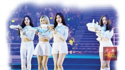 女团T-ara为观众带来多首耳熟能详的歌曲。