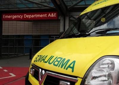 患者在医院急症室轮候时间超长。