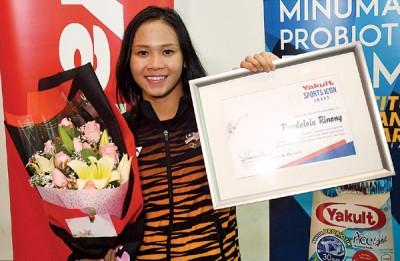 (雪邦14日讯)大马跳水名将潘德蕾拉将在明年4月份的澳洲黄金海岸共运会和8月份的印尼雅加达亚运会专注女子个人和双人10米跳台项目。