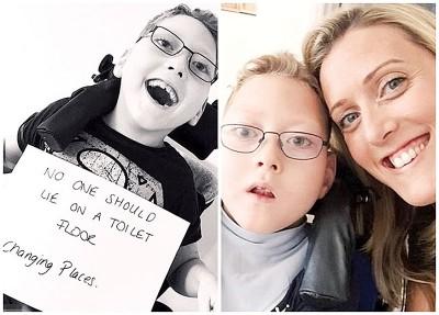 穆尔(右图右)友好也育出同样名残障儿子。