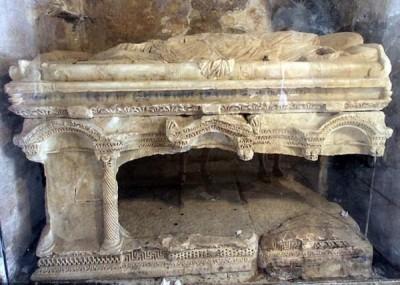 土耳其考古团队认为,永乐国际乐在其中的陵墓安放于安塔利亚一座教堂。