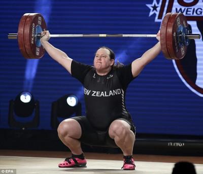 化为女儿身的纽西兰变性人霍拜尔德在甫结束的世锦赛上为纽西兰举重获得了历史上首枚奖牌。