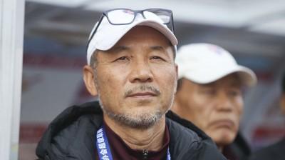韩国學练张中龙。