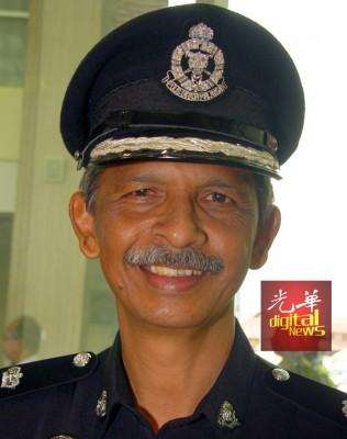 沙菲副总监。