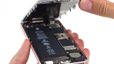 用户指苹果没有提醒客户换电池就可解决问题。