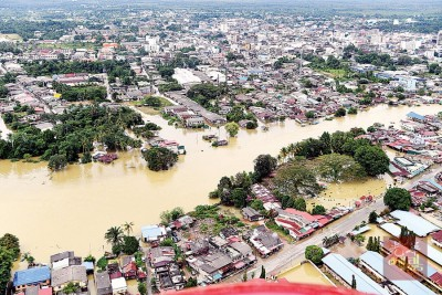 吉兰丹水灾居民减少670人口到1万608人口,而是登嘉楼受灾人数增加331人口到1479人口。