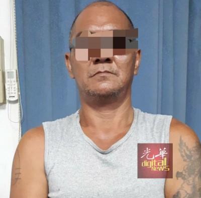 警方共逮捕4名嫌犯,包括2名华裔,以及巫裔和印裔嫌犯各一人,图为其中1名嫌犯。