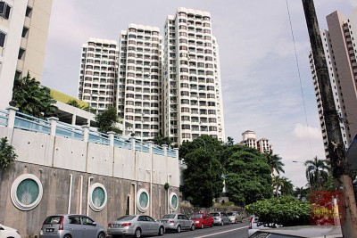 峇都蛮的高楼公寓,竟多次发生过假中介非法入侵他人单位后,转租他人的事件。