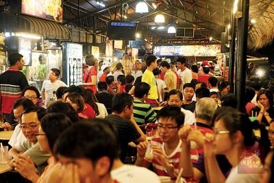 槟城大部分的食肆在午夜后都结束营业。(档案照)