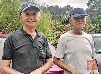 陈宗明(左)及林先生都希望植物园不要征收费用,因为这里是州内最适合晨运的地方。