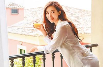 林志玲人美心更美。