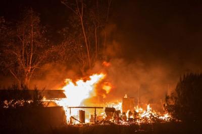 南加州为大火进入紧急状态。(法新社照片)