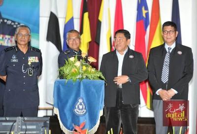 诺拉昔(左起)、弗兹、诺连迈与胡申周四出席活动。