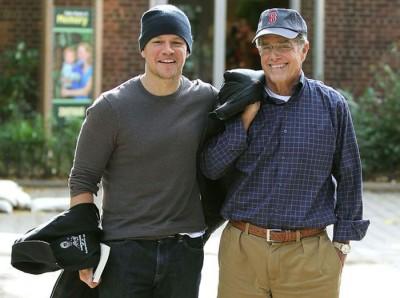 麦迪文(左)与父亲感情深厚。