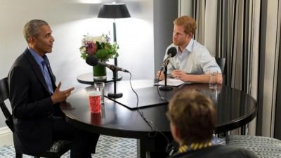 欧巴马(左)奉好友哈里王子访问,畅谈卸任后的活;区区人口异口同声表示,立是欧巴马今年1月卸任总统后,老大受访问。