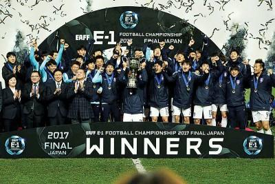 韩国队蝉联东亚杯冠军。