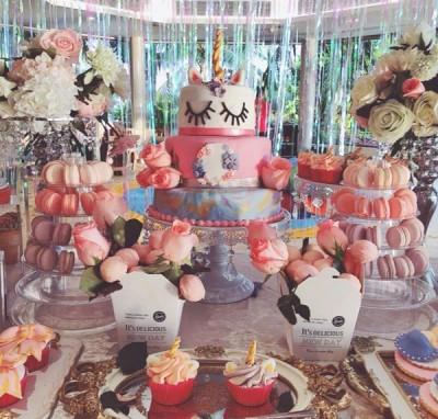 章子怡准备各式精致甜点。