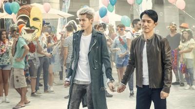 梁朝伟(右)以及吴亦凡当新片中扮演双特务。