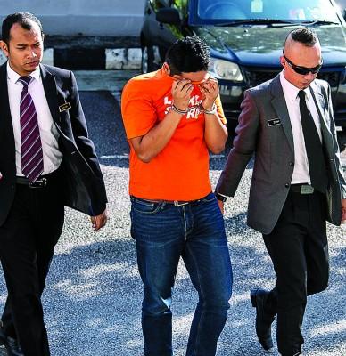 森美兰州足球队的一名经理,被延扣5天。
