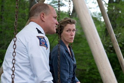 影视《不料》得走戏剧类最佳影片,女主角法兰西丝麦朵曼(右)荣登影后。