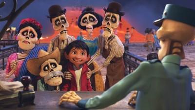 都受好评的卡通《Coco》得到了最佳动画长片的光荣。