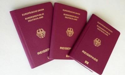 德国护照。
