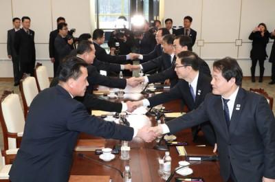 韩朝破冰举行的尖端会谈,达到多宗合计。(法新社照片)