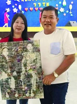 许青蓉标下曾祖父的大照片。