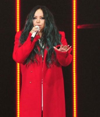 阿妹登《红白》唱3首歌。