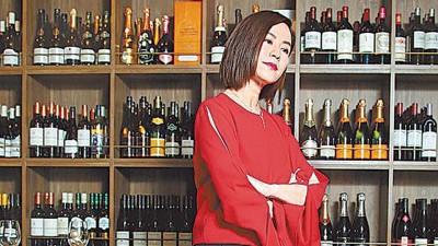 现年47岁的宣萱虽然仍是单身,但她宁愿一个人也不愿随便找一个伴。