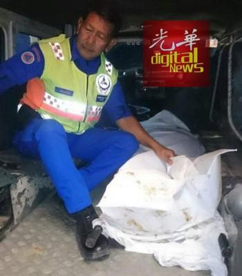 死者的遗体被送往邻近医院解剖。