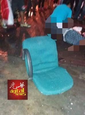 至今还未确定办公椅是被何人抛下。