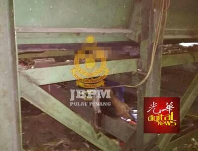 发生故障的碎纸机忽然运作,52岁华裔修理技工因头部被夹而毙命。