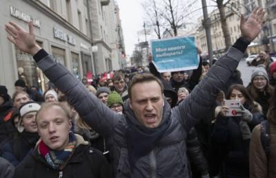纳瓦尼带领示威者前进。(法新社照片)