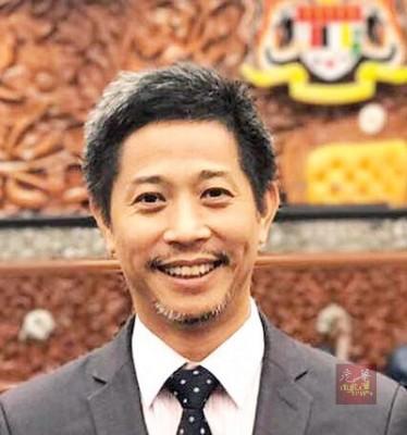 公正党亚罗士打国会议员魏晓隆接受本报电访,询及他是否会回到家乡,槟城竞选时,他表示将捍卫目前选区,除非党有另外安排。