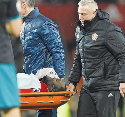 比利时国脚卢卡库在去年杪对战南安普顿的比赛中受伤出场,穆里尼奥表示卢卡库已无事。