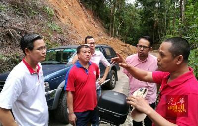 沈志强(右2)周四前往督坤山巡视,了解修复进展。左起陈润辉、陈衍财、胡智胜,右为阿兹曼。