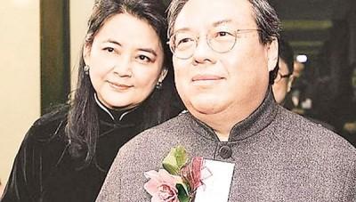 胡慧中(左)并未到法庭支持丈夫。