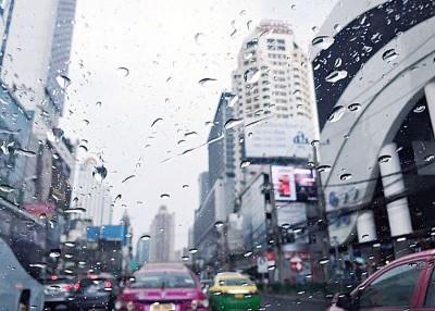 泰国甚少在冬季下暴雨。