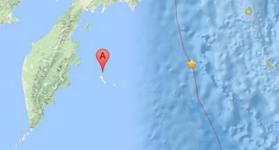 (左)俄东部海域6.4级地震 。(右)印度南海域5.9级地震。
