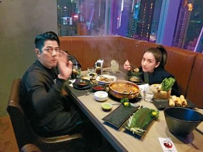 郭富城去年喜迎爱女,不过仍不忘与方媛享受两人世界。